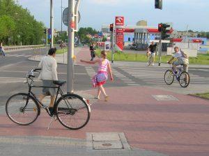 DSCN3335 piesi zamiast rowerow DUŻE